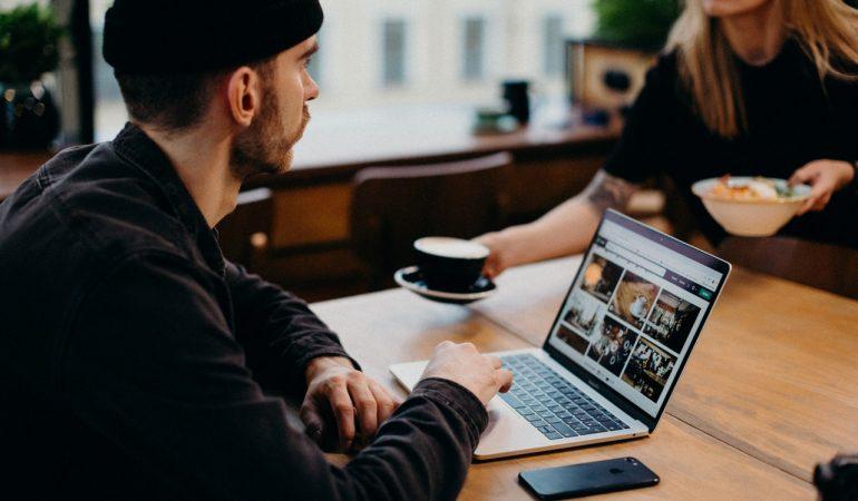 In 3 Schritten zur erfolgreichen Künstler:innen Website
